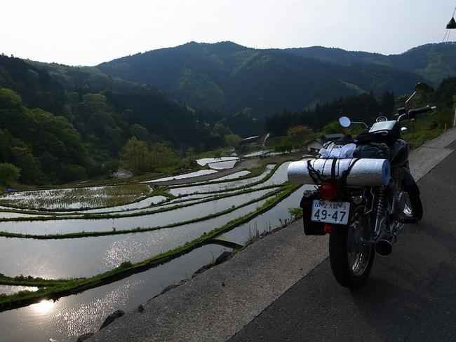 ST250 in 神在居の千枚田