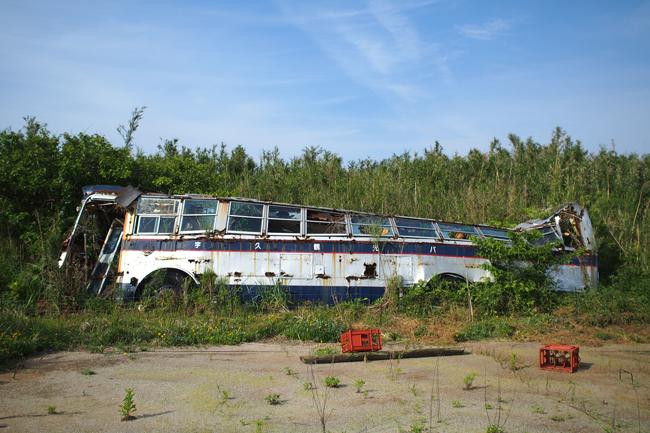 宇久島の廃バス