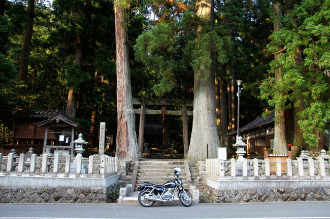 ST250 in 龍穴神社