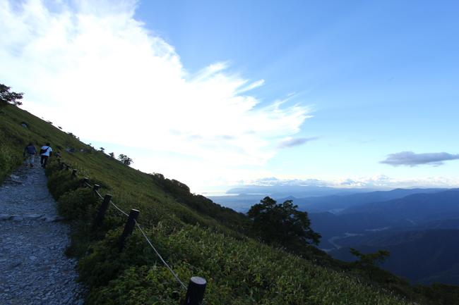 伊吹山ドライブウェイから西登山道
