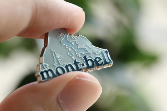 モンベルから限定会員章(特製ピンバッジ)が届いた