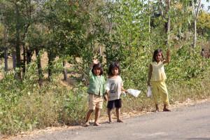 カンボジアの少女たち