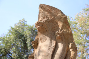 ベンメリアの五つ頭のナーガ(蛇神)