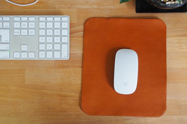 レザークラフトでレザーマウスパッドを作った