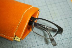 レザークラフトでバネ口金メガネケースを作った