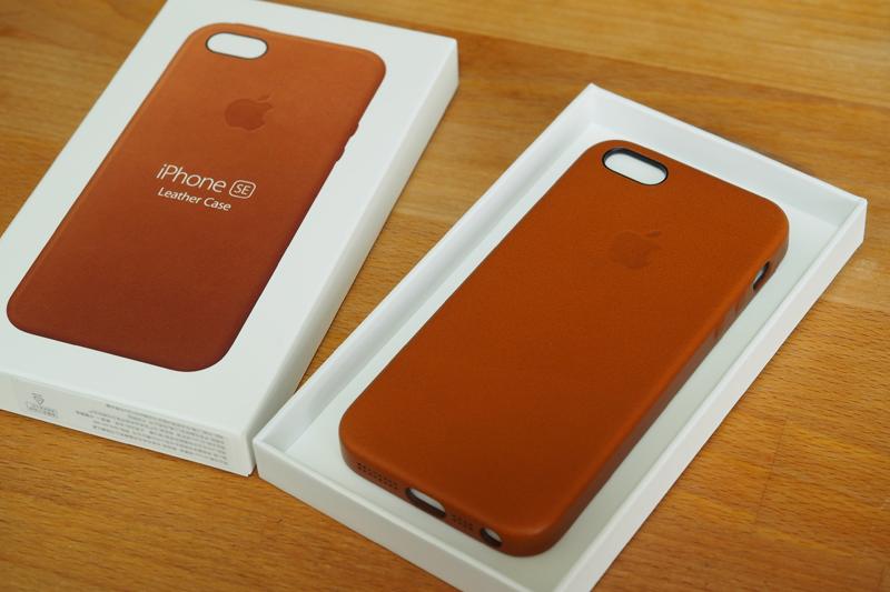 a3390bda7a 「ブラウン系があるなら買うのになぁ」と思ってたんですが、AppleオンラインストアでiPhone SEを購入する時、なんと新色のサドルブラウン が追加されたという朗報が!