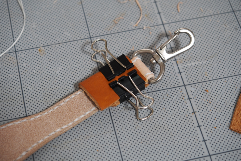 コンチョ付きレザーキーホルダーの製作工程