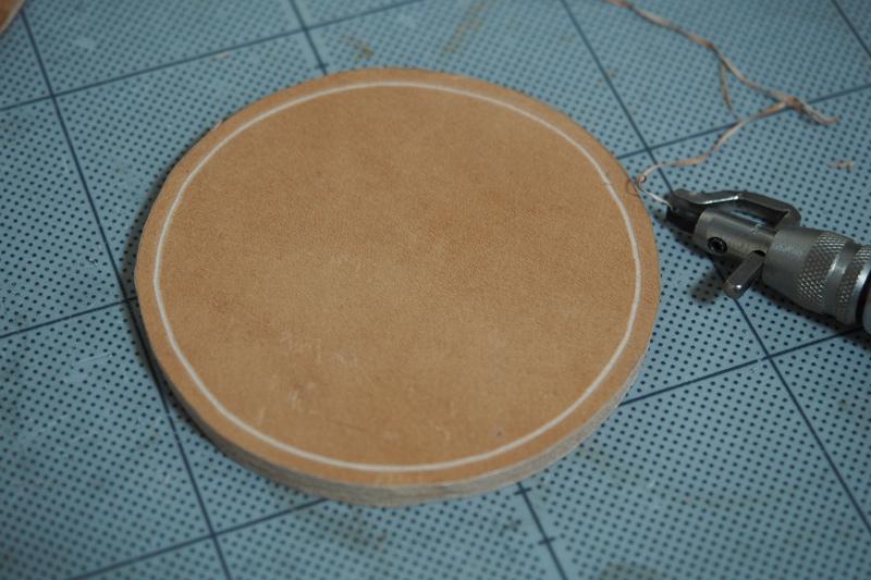コーヒー染めレザーコースターの製作工程