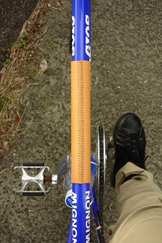 自転車用レザーフレームパッドの製作工程