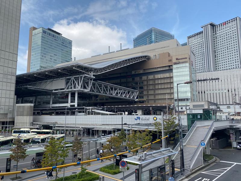 大阪環状線 大阪駅を通過