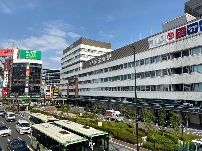 大阪環状線 天王寺駅を通過