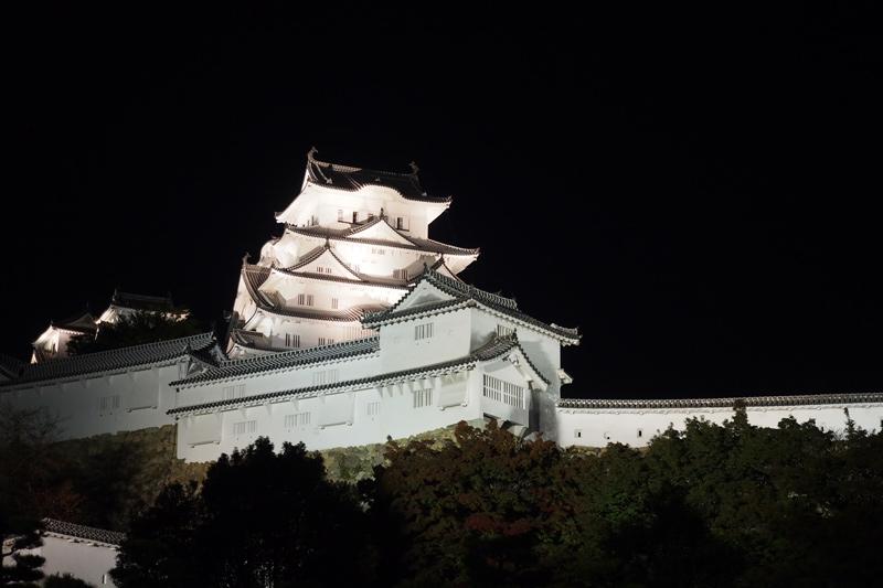 外壁が漆喰の姫路城