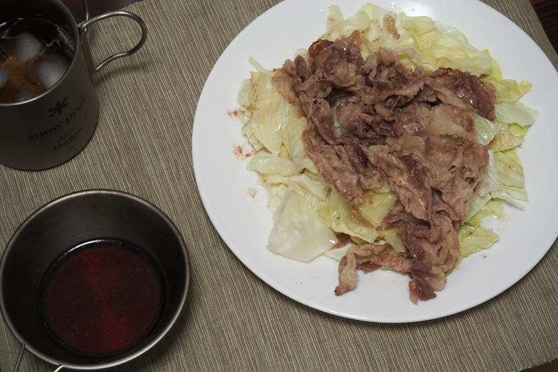 豚肉とキャベツのレンジ蒸しを自炊